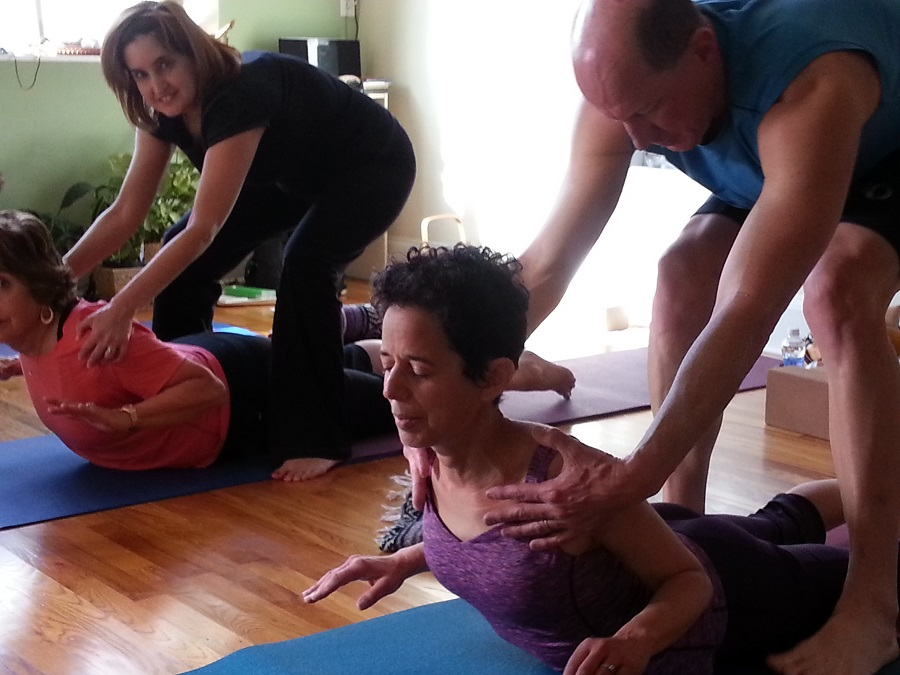 partner-yoga-small